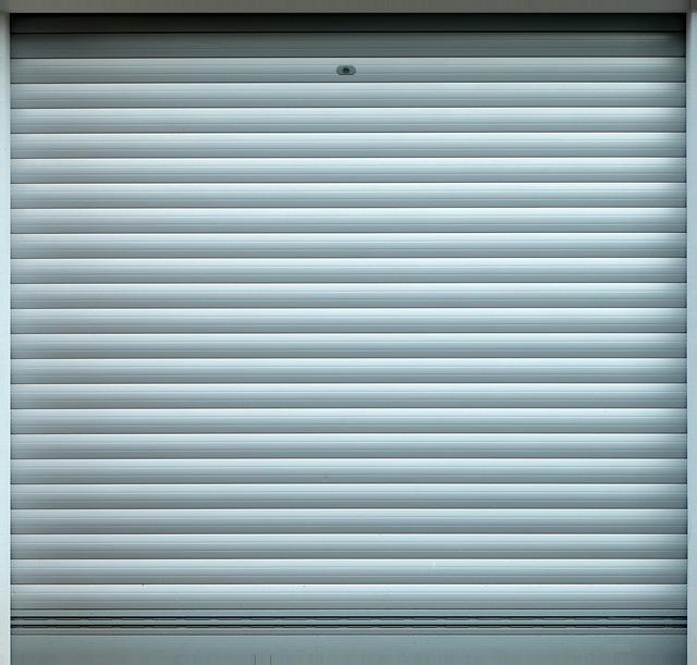 roll-up-door-1778586_640